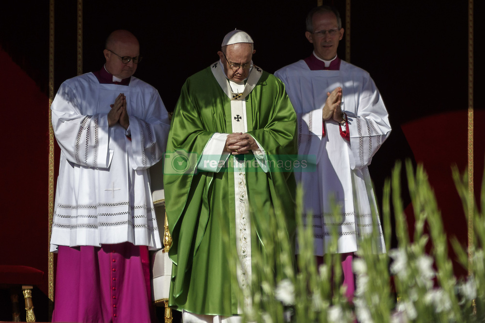October 3, 2018 - Vatican City, Vatican - Pope Francis leads a mass for the opening of the Synod of Bishops, focusing on Young People, the Faith and Vocational Discernment in St. Peter's Square in Vatican City, Vatican on October 03, 2018. (Credit Image: © Giuseppe Ciccia/Pacific Press via ZUMA Wire)