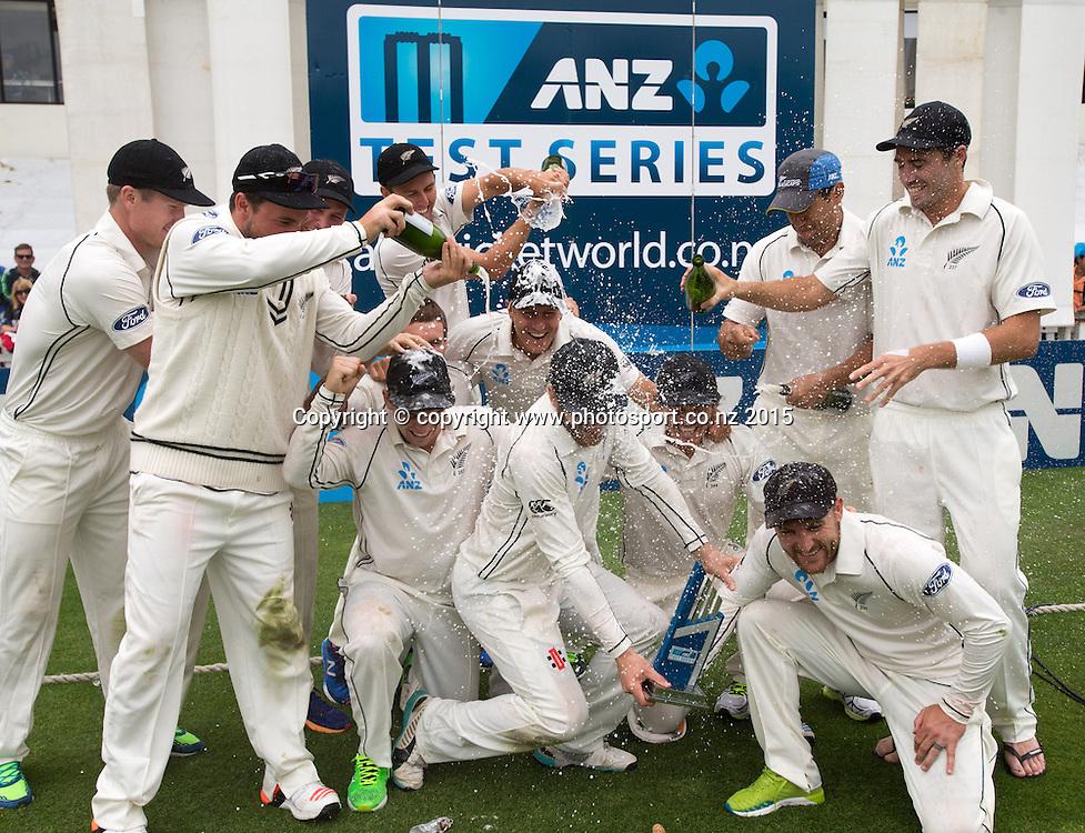 The Black Caps with the ANZ Trophy. Fifth day, second test, ANZ Cricket Test series, New Zealand Black Caps v Sri Lanka, 07 January 2015, Basin Reserve, Wellington, New Zealand. Photo: John Cowpland / www.photosport.co.nz