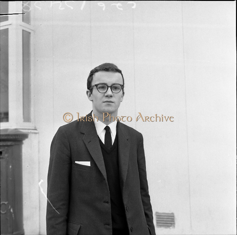 28/01/1962<br /> 01/28/1962<br /> 28 January 1962<br /> The Irish Relay 4x880 Team flies out from Dublin Airport for a seven week tour of sports fixtures in the United States. Picture shows Des Ryan (Blackrock) of Donore Harriers going on a scholarsip to Michigan University U.S.A. All Ireland Junior Mile Champion, best time for mile 4mins 15secs.
