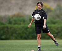 Fotball<br /> La Manga 2006<br /> Trening Liungen<br /> Foto: Morten Olsen, Digitalsport<br /> <br /> Kjersti Thun - trener