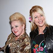 NLD/Amsterdam/20111121 - Premiere toneelvoorstelling Zangeres zonder Naam, Mieke Stemerdink en Manuela Kemp