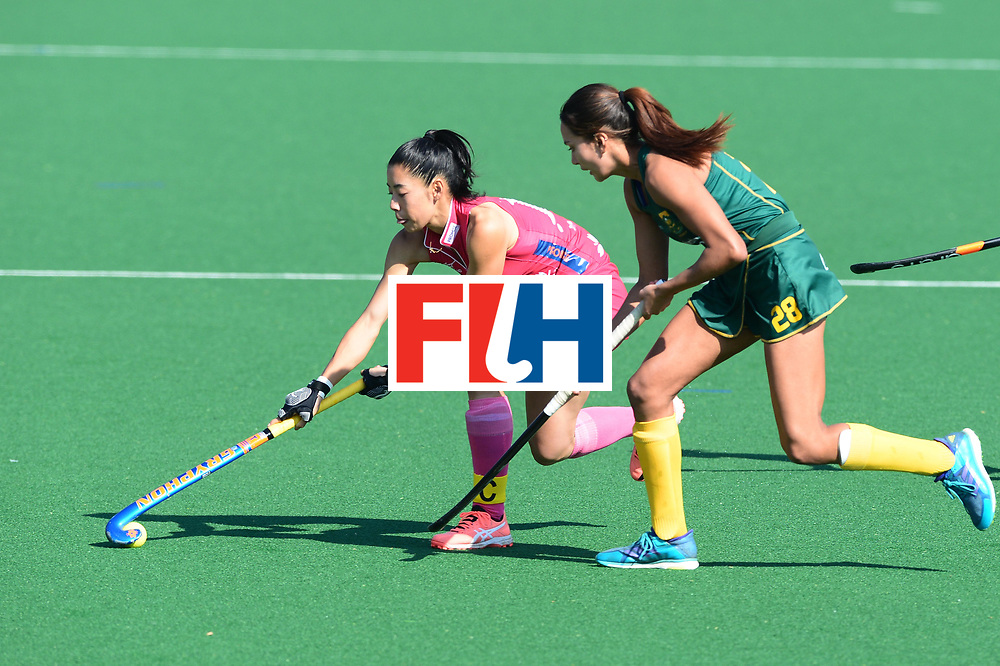 JOHANNESBURG, SOUTH AFRICA - JULY 22: Hazuki Yuda of Japan and Quanita Bobbs of South Africa during day 8 of the FIH Hockey World League Women's Semi Finals 5th-6th place match between Japan and South Africa at Wits University on July 22, 2017 in Johannesburg, South Africa. (Photo by Getty Images/Getty Images)