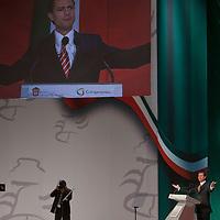 TOLUCA, Mexico.- Enrique Peña Nieto, gobernador del Estado de Mexico, al dar lectura a su mensaje por el V Informe de gobierno, en el teatro Morelos de esta ciudad. Agencia MVT / Mario Vazquez de la Torre. (DIGITAL)