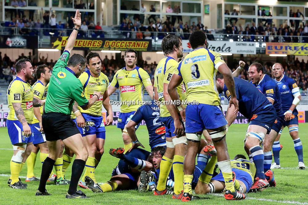 Essai Yannick Forestier - 25.04.2015 - Castres / Clermont - 23eme journee de Top 14<br />Photo : Laurent Frezouls / Icon Sport
