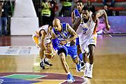 DESCRIZIONE : Roma Lega A 2014-2015 Acea Roma Banco di Sardegna Sassari<br /> GIOCATORE : David Logan<br /> CATEGORIA : palleggio contropiede sequenza<br /> SQUADRA : Banco di Sardegna Sassari<br /> EVENTO : Campionato Lega A 2014-2015<br /> GARA : Acea Roma Banco di Sardegna Sassari<br /> DATA : 02/11/2014<br /> SPORT : Pallacanestro<br /> AUTORE : Agenzia Ciamillo-Castoria/GiulioCiamillo<br /> GALLERIA : Lega Basket A 2014-2015<br /> FOTONOTIZIA : Roma Lega A 2014-2015 Acea Roma Banco di Sardegna Sassari<br /> PREDEFINITA :