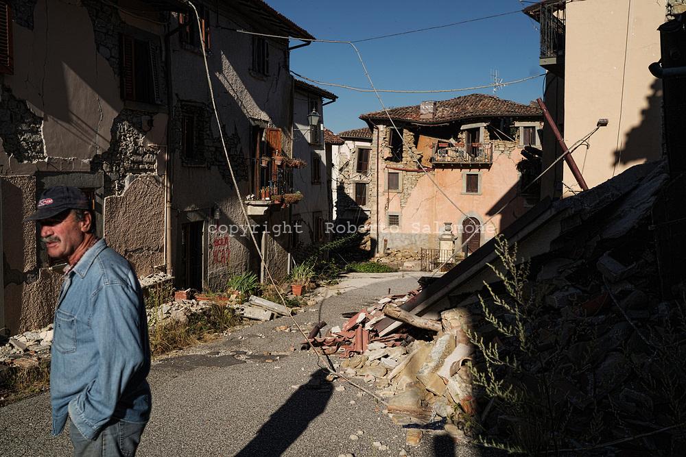 Retrusi, Italia - Ci&ograve; che resta del paesino di Retrusi dopo il terremoto. A distanza di un anno non sono state ancora rimosse le macerie.<br /> Ph. Roberto Salomone