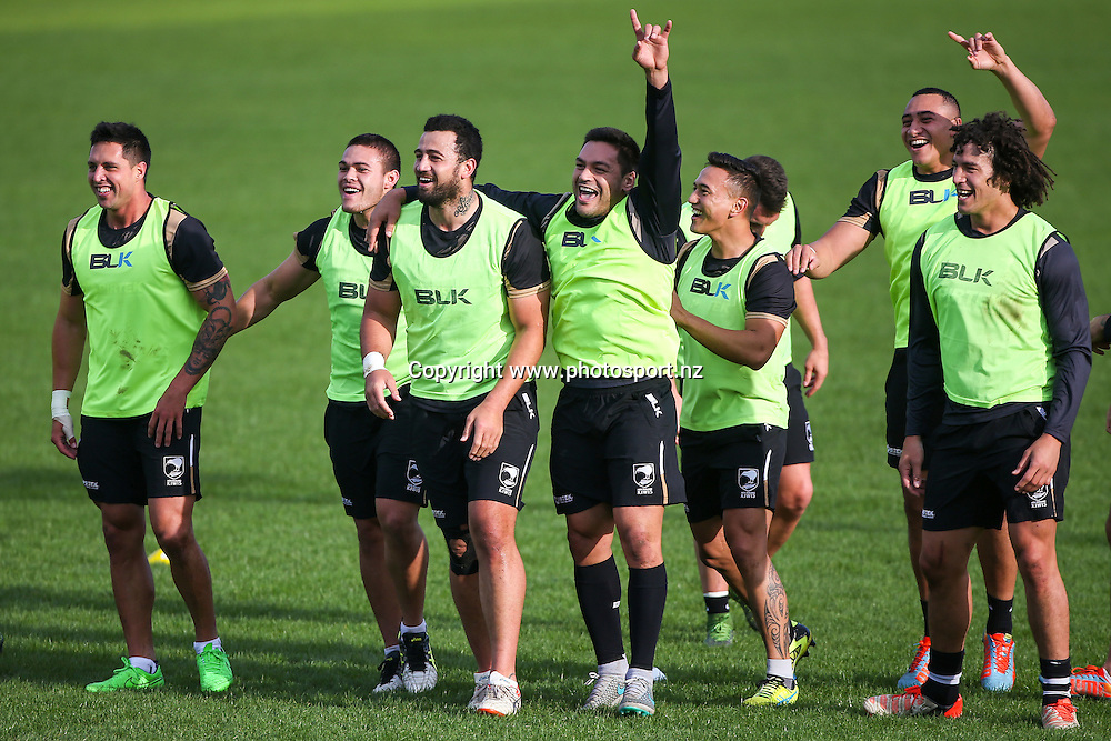 Picture by Alex Whitehead/SWpix.com - 10/11/2015 - Rugby League - New Zealand Training - Edge Hall Road, Orrell, England - New Zealand players celebrate winning a game during training.