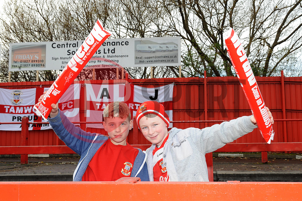 Tamworth supporters - Photo mandatory by-line: Dougie Allward/JMP - Tel: Mobile: 07966 386802 08/12/2013 - SPORT - Football - Tamworth - The Lamb Ground - Tamworth v Bristol City - FA Cup - Second Round