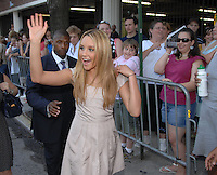 Amanda Bynes attends the Baltimore Premiiere of the new movie Hairspray
