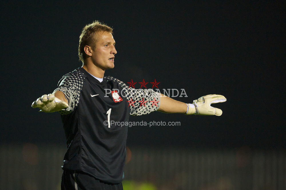 BROUGHTON, WALES - Wednesday, October 13, 2010: Poland's goalkeeper Michal Gliwa in action against Wales during the Under-23 Semi-Pro International International Challenge Trophy match at the Airfield. (Pic by David Rawcliffe/Propaganda)
