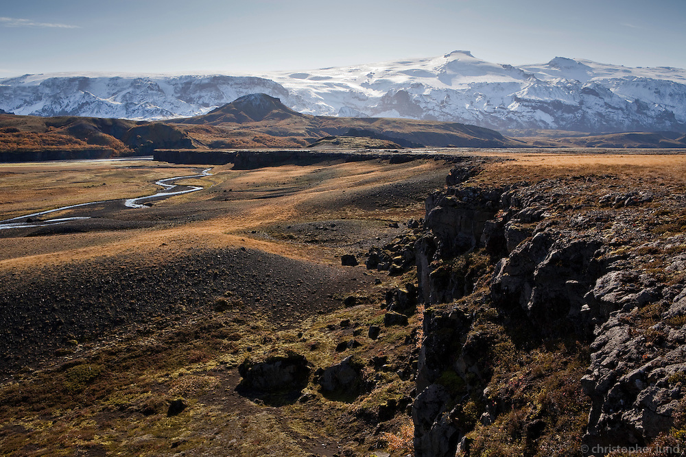 Trollagja, near river Markarfljot. Glacier Eyjafjallajokull in background.<br /> <br /> Tr&ouml;llagj&aacute;, n&aelig;rri Markarflj&oacute;ti. Eyjafjallaj&ouml;kull &iacute; baks&yacute;n.