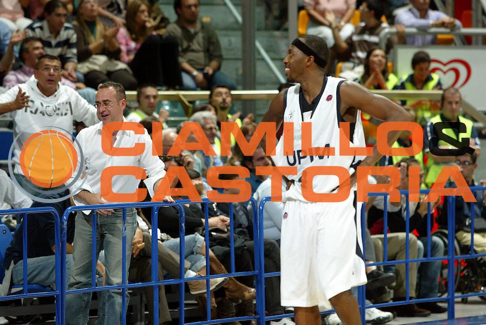 DESCRIZIONE : Bologna Lega A1 2007-08 Upim Fortitudo Bologna Siviglia Wear Teramo<br /> GIOCATORE : Horace Jenkins<br /> SQUADRA : Upim Fortitudo Bologna<br /> EVENTO : Campionato Lega A1 2007-2008 <br /> GARA : Upim Fortitudo Bologna Sivilglia Wear Teramo<br /> DATA : 30/09/2007 <br /> CATEGORIA : Esultanza<br /> SPORT : Pallacanestro <br /> AUTORE : Agenzia Ciamillo-Castoria/G.Livaldi