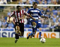 Fotball<br /> Foto: SBI/Digitalsport<br /> NORWAY ONLY<br /> <br /> Date: 31/08/2004.<br /> Reading v Sunderland Coca - Cola Championship.<br /> <br /> Paul Brooker of Reading battles with Jeff Whitley of Sunderland.