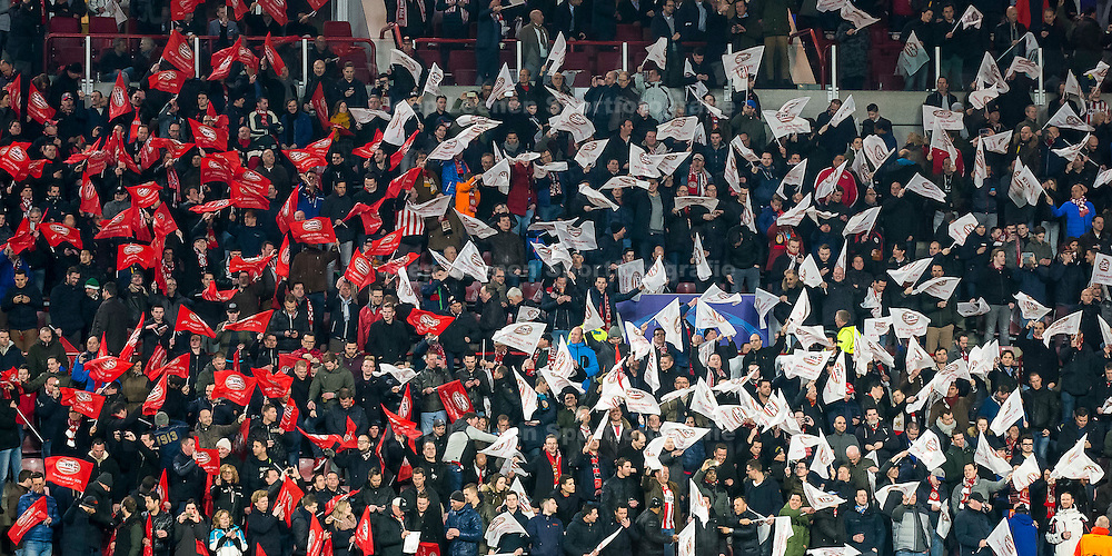 EINDHOVEN, PSV - Atletico Madrid, voetbal Champions League tweede ronde, seizoen 2015-2016, 24-02-2016, Philips Stadion, sfeer, vlaggen, fans, aanhang, rood-wit, supporters.
