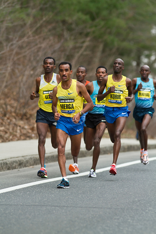 2013 Boston Marathon: Merga leads elite men