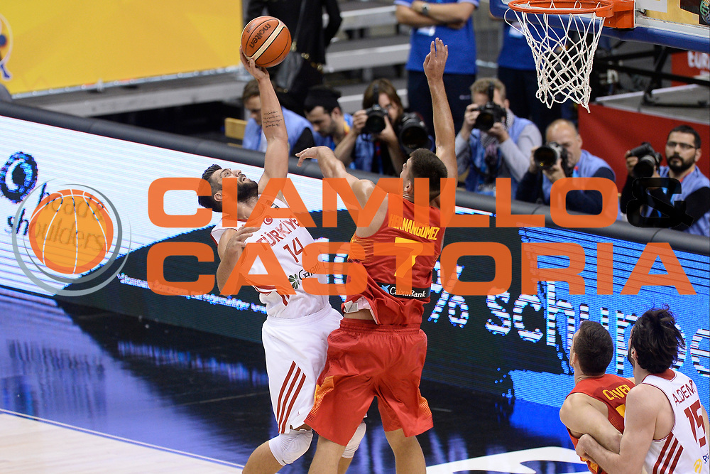 DESCRIZIONE: Berlino EuroBasket 2015 - <br /> Turkey Spain<br /> GIOCATORE: Huseyin Koksal<br /> CATEGORIA: Tiro<br /> SQUADRA: Turkey<br /> EVENTO: EuroBasket 2015 <br /> GARA: Berlino EuroBasket 2015 - Turkey vs Spain<br /> DATA: 06-09-2015 <br /> SPORT: Pallacanestro <br /> AUTORE: Agenzia Ciamillo-Castoria/I.Mancini <br /> GALLERIA: FIP Nazionali 2015 FOTONOTIZIA: Berlino EuroBasket 2015 - Turkey vs Spain