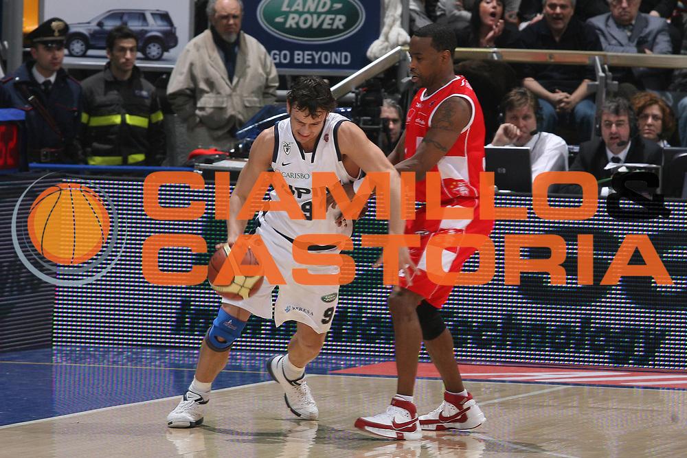 DESCRIZIONE : Bologna Lega A1 2007-08 Upim Fortitudo Bologna Armani Jeans Milano <br /> GIOCATORE : Davide Lamma <br /> SQUADRA : Upim Fortitudo Bologna <br /> EVENTO : Campionato Lega A1 2007-2008 <br /> GARA : Upim Fortitudo Bologna Armani Jeans Milano <br /> DATA : 30/12/2007 <br /> CATEGORIA : Palleggio <br /> SPORT : Pallacanestro <br /> AUTORE : Agenzia Ciamillo-Castoria/G.Ciamillo