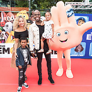 NLD/Amsterdam/20170802 - Premiere De Emoji film, Jandino Asporaat en kinderen Elijah, Amy-Lee