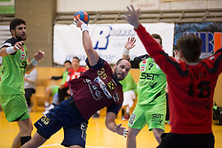 09.12.2014, Sporthalle, Leoben, AUT, OeHB-Cup Achtelfinale, Union JURI Leoben vs SG INSIGNIS Handball West Wien, im Bild Markus Wagesreiter (West Wien), Domagoj Surac(Leoben), Matthias Führer (West Wien), Florian Kaiper (West Wien) // durning the OeHB-Cup, Round of the last sixteen, between, Union JURI Leoben vs SG INSIGNIS Handball West Wien at the Sport Hall, Leoben, Austria on 2014/12/09, EXPA Pictures © 2014, PhotoCredit: EXPA/ Dominik Angerer