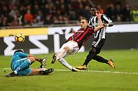Milano - 28.10.2017 -   Milan-Juventus - Serie A 11a giornata   - nella foto:  Nikola Kalinic fermato da Buffon al minuto 45