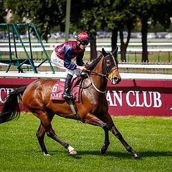 Lady Macapa (L. Morris) before winning Qatar Prix Du Petit Couvert Gr. 3 in Chantilly, France 10/09/02017, photo: Zuzanna Lupa