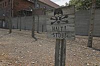 Auschwitz: HALT!