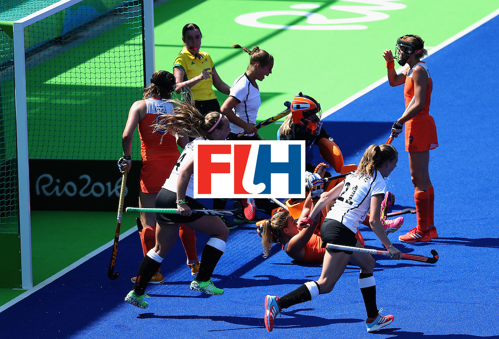RIO DE JANEIRO, BRAZIL - AUGUST 17:  Germany celebrates scoring a first half goal against Netherlands during the women's semifinal match between the Netherlands and Germany on Day 12 of the Rio 2016 Olympic Games at the Olympic Hockey Centre on August 17, 2016 in Rio de Janeiro, Brazil.  (Photo by Rob Carr/Getty Images)
