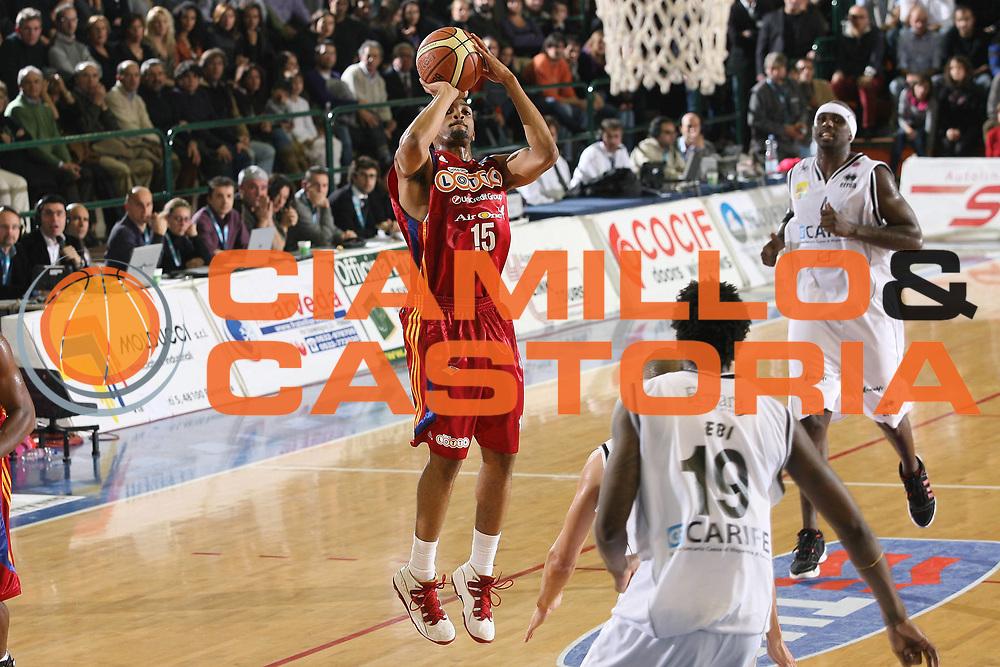 DESCRIZIONE : Ferrara Lega A1 2008-09 Carife Ferrara Lottomatica Virtus Roma<br /> GIOCATORE : Allan Ray<br /> SQUADRA : Lottomatica Virtus Roma<br /> EVENTO : Campionato Lega A1 2008-2009 <br /> GARA : Carife Ferrara Lottomatica Virtus Roma<br /> DATA : 07/12/2008 <br /> CATEGORIA : tiro<br /> SPORT : Pallacanestro <br /> AUTORE : Agenzia Ciamillo-Castoria/M.Marchi