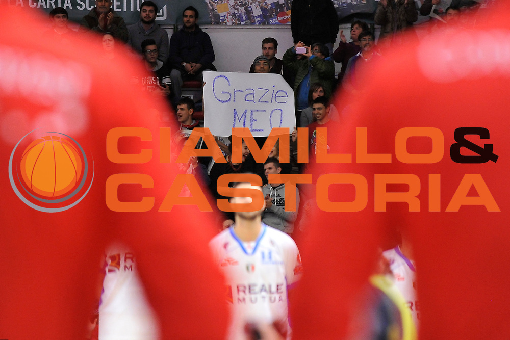 DESCRIZIONE : Campionato 2015/16 Serie A Beko Dinamo Banco di Sardegna Sassari - Consultinvest VL Pesaro<br /> GIOCATORE : Commando Sassari<br /> CATEGORIA :  Ultras Tifosi Pubblico Spettatori<br /> SQUADRA : Dinamo Banco di Sardegna Sassari<br /> EVENTO : LegaBasket Serie A Beko 2015/2016<br /> GARA : Dinamo Banco di Sardegna Sassari - Consultinvest VL Pesaro<br /> DATA : 23/11/2015<br /> SPORT : Pallacanestro <br /> AUTORE : Agenzia Ciamillo-Castoria/C.Atzori