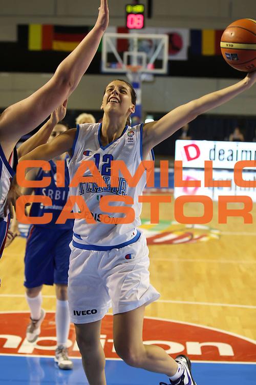 DESCRIZIONE : Taranto Torneo di qualificazione Campionati Europei donne Polonia 2011 Italia Serbia Italy Serbia<br /> GIOCATORE : Chiara Consolini<br /> SQUADRA : Italia Nazionale Femminile<br /> EVENTO : Torneo di qualificazione Campionato Europeo Donne Polonia 2011 Eurobasket Women Additional Qualifying Tournament<br /> GARA : Italia Serbia Italy Serbia<br /> DATA : 04/06/2011<br /> CATEGORIA : tiro<br /> SPORT : Pallacanestro<br /> AUTORE : Agenzia Ciamillo-Castoria/ElioCastoria<br /> Galleria : FIP Nazionali 2011<br /> Fotonotizia :  Taranto Torneo di qualificazione Campionati Europei donne Polonia 2011 Italia Serbia Italy Serbia<br /> Predefinita :
