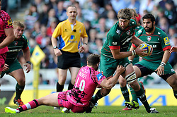 Geoff Parling of Leicester Tigers looks to offload the ball - Photo mandatory by-line: Patrick Khachfe/JMP - Mobile: 07966 386802 25/04/2015 - SPORT - RUGBY UNION - Leicester - Welford Road - Leicester Tigers v London Welsh - Aviva Premiership
