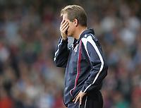 Photo: Lee Earle.<br /> West Ham United v Arsenal. The FA Barclays Premiership. 29/09/2007. West Ham manager Alan Curbishley.