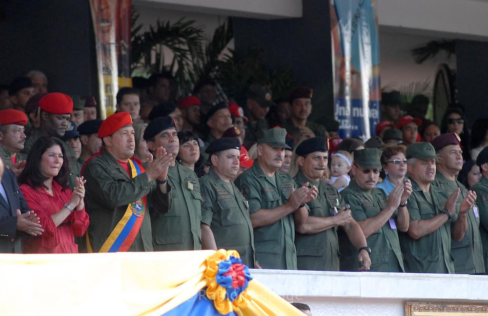Presidente de Venezuela Hugo Chávez, durante el desfile militar conmemorativo del intento de golpe de Estado del 4 de febrero en Los Próceres. 15 años después de la intentona fallida, la ?revolución  bolivariana? liderizada por Hugo Chávez Frías se afianza en el país al grito  de ?Patria Socialismo o Muerte?. Los Próceres, 04-02-2007. (Ramón Lepage / Orinoquiaphoto)  Venezuela's President Hugo Chavez, wearing his red beret, during a military parade commemorating the coupe attempt of the 4 of February in  Los Próceres.  15 years later of the failed putsch, the ?Bolivarian revolution? takes place in the country by the scream of ?Motherland, Socialism or Death?. Los Próceres, 04-02-2007. (Ramón Lepage / Orinoquiaphoto)