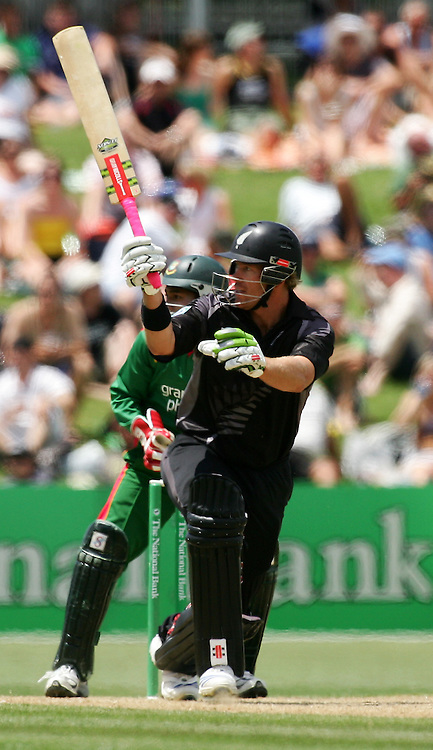Jacob Oram follows the flight of his shot. New Zealand v Bangladesh, 2nd ODI, McLean Park, Napier, New Zealand. Friday 28 December 2007. Photo: John Cowpland/PHOTOSPORT