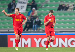 06.12.2012, Stadio Friuli, Udine, ITA, UEFA EL, Udinese Calcio vs FC Liverpool, Gruppe A, im Bild Torjubel Liverpool nach den 1 zu 0 durch Jordan Henderson (# 14, Liverpool FC) links Joe Allen (# 24, Liverpool FC)  // during the UEFA Europa League group A match between Udinese Calcio and Liverpool FC at the Stadio Friuli, Udinese, Italy on 2012/12/06. EXPA Pictures © 2012, PhotoCredit: EXPA/ Juergen Feichter