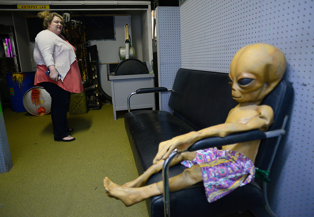 apl061417d/ASECTION /pierre-louis/JOURNAL 061417<br /> Danielle Childers,, of Nashville , Tennessee, visits Alien Zone in Roswell  .Photographed  on Wednesday June  14,  2017. .Adolphe Pierre-Louis/JOURNAL