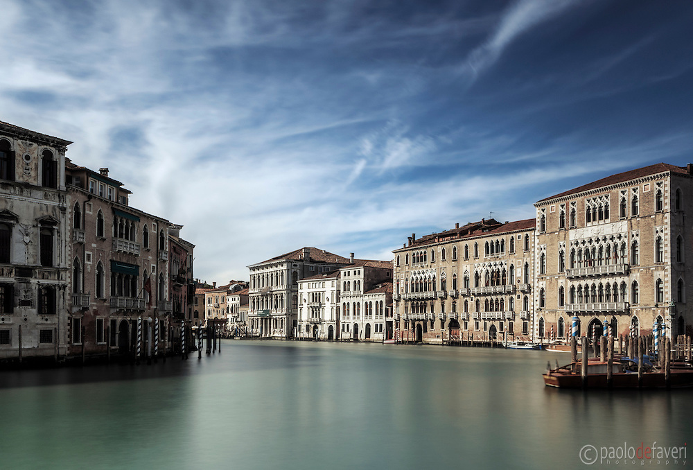 An early morning view of the bend on the Grand Canal known as Volta de Canal, with the famous palaces of Ca' Foscari and Ca'