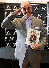 OCT 10 2013  Len Goodman Booksigning