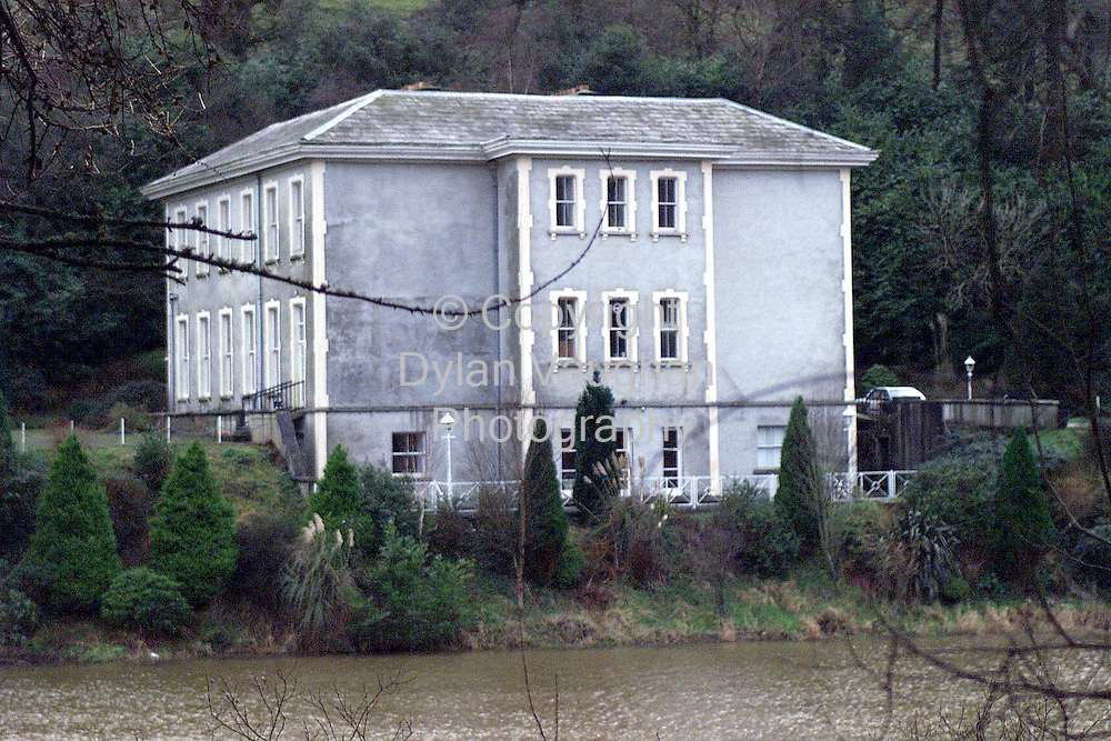18/1/98.POUL DREW HOUSE NEAR KILMEADAN CO WATERFORD WHICH IT IS RUMOURED BRAD PITT HAS SHOWN INTEREST IN.PICTURE DYLAN VAUGHAN