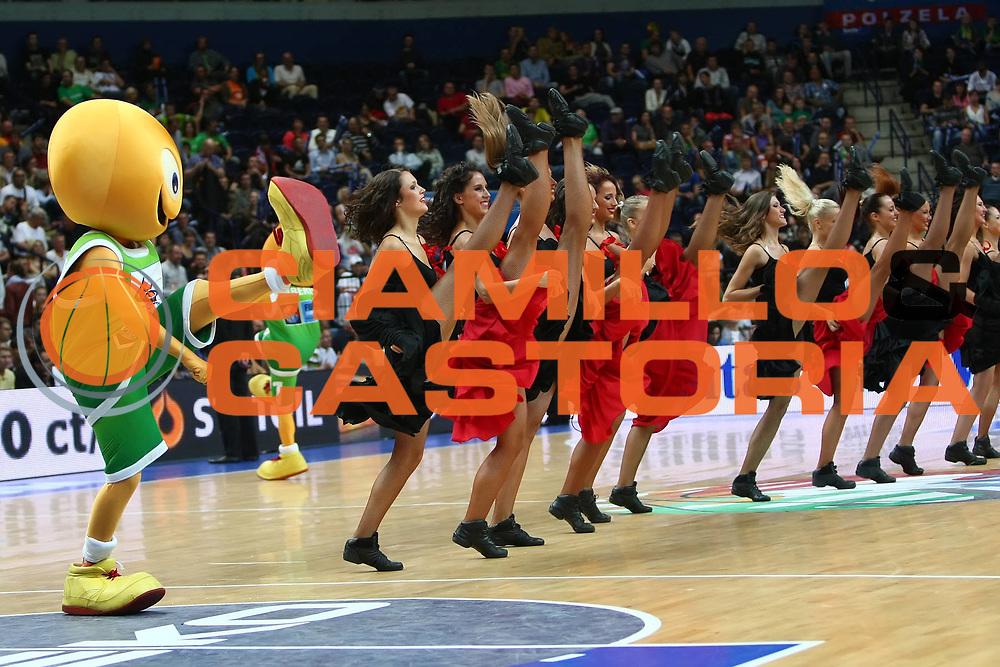 DESCRIZIONE : Vilnius Lithuania Lituania Eurobasket Men 2011 Second Round Russia Macedonia Russia FYR of Macedonia<br /> GIOCATORE : cheerleaders<br /> CATEGORIA : cheerleaders spettacolo<br /> SQUADRA : Russia<br /> EVENTO : Eurobasket Men 2011<br /> GARA : Russia Macedonia Russia FYR of Macedonia<br /> DATA : 12/09/2011<br /> SPORT : Pallacanestro <br /> AUTORE : Agenzia Ciamillo-Castoria/G.Matthaios<br /> Galleria : Eurobasket Men 2011<br /> Fotonotizia : Vilnius Lithuania Lituania Eurobasket Men 2011 Second Round Russia Macedonia Russia FYR of Macedonia<br /> Predefinita :