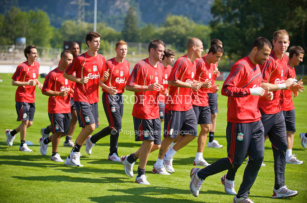 BAD RAGAZ, SWITZERLAND - Thursday, July 16, 2009: Liverpool's players training at the Gemeinde Sportplatz in Bad Ragaz during the team's preseason training camp. (Pic by David Rawcliffe/Propaganda)
