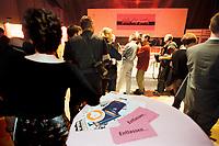 30 APR 2001, BERLIN/GERMANY:<br /> 1. deutsche Pink Slip Party: Entlassene IT-Fachleute von Dot.com Unternehmen sollen hier mit potentiellen Arbeitgebern zusammentreffen (Als Pink Slip wird in den USA der rosa Brief bezeichnet, in dem Kündigungsschreiben zugestellt werden), Reinbeckhallen, Berlin-Treptow<br /> IMAGE: 20010430-02/01-33<br /> KEYWORDS: New Economy, IT-Fachleute, IT-Branche, Entlassung, Arbeitslos, Headhunter, Pink-Slip-Party, New Economy