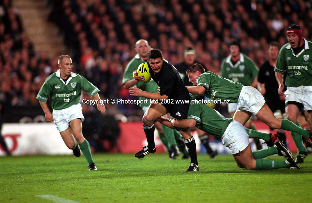 Aaron Mauger in action during the rugby union match between the All Blacks and Ireland, Eden Park, Auckland, 22 June, 2002. Photo: PHOTOSPORT