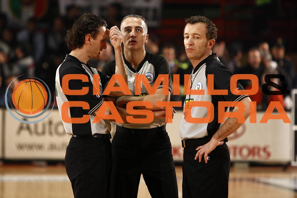 DESCRIZIONE : Caserta Lega A1 2008-09 Eldo Caserta Benetton Treviso<br /> GIOCATORE : Carmelo Paternic&ograve; Massimiliano Duranti Massimiliano Filippini<br /> SQUADRA : AIAP<br /> EVENTO : Campionato Lega A1 2008-2009 <br /> GARA : Eldo Caserta Benetton Treviso<br /> DATA : 15/02/2009<br /> CATEGORIA : arbitro referees ritratto<br /> SPORT : Pallacanestro <br /> AUTORE : Agenzia Ciamillo-Castoria/E.Castoria
