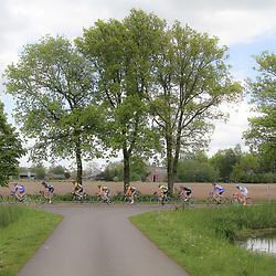 WIELRENNEN Rijssen, de 62e ronde van Overijssel werd op zaterdag 3 mei verreden. peloton in landschap