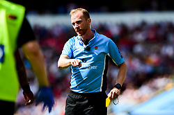 Referee Wayne Barnes - Mandatory by-line: Ryan Hiscott/JMP - 01/06/2019 - RUGBY - Twickenham Stadium - London, England - Exeter Chiefs v Saracens - Gallagher Premiership Rugby Final