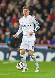 MADRID, SPAIN - Tuesday, November 4, 2014: Real Madrid's Toni Kroos in action against Liverpool during the UEFA Champions League Group B match at the Estadio Santiago Bernabeu. (Pic by David Rawcliffe/Propaganda)