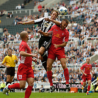 Fotball<br /> England 2005/2006<br /> Foto: SBI/Digitalsport<br /> NORWAY ONLY<br /> <br /> Newcastle United v ZTS Dubnica, Intertoto Cup. 23/07/2005.<br /> Newcastle's Lee Bowyer rises high to direct a header goalwards.