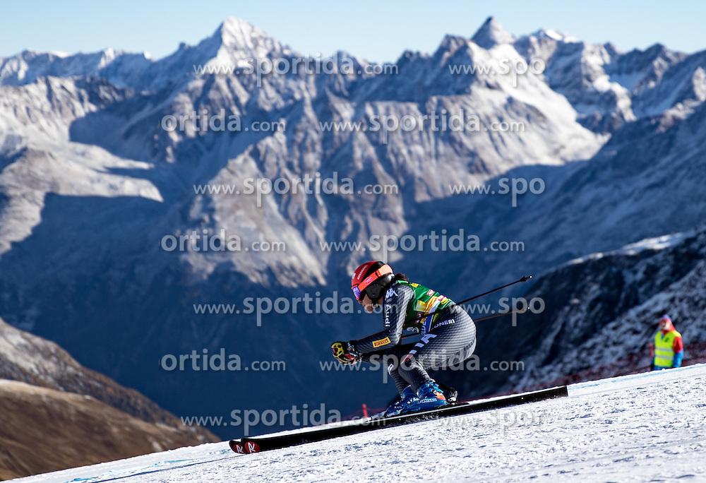 22.10.2016, Rettenbachferner, Soelden, AUT, FIS Weltcup Ski Alpin, Soelden, Riesenslalom, Damen, 1. Durchgang, im Bild Federica Brignone (ITA) // Federica Brignone of Italy in action during 1st run of ladies Giant Slalom of the FIS Ski Alpine Worldcup opening at the Rettenbachferner in Soelden, Austria on 2016/10/22. EXPA Pictures © 2016, PhotoCredit: EXPA/ Johann Groder