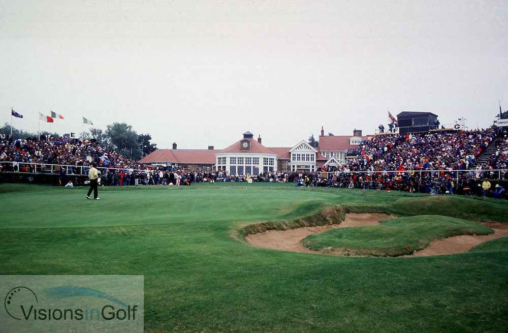 NICK FALDO ON 18TH GREEN FINAL ROUND<br />
